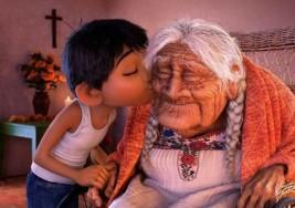 El corazón no sufre de Alzheimer; hazle una caricia a quien lo padece, su piel aún te recuerda