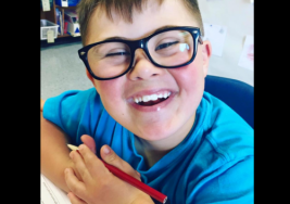 Madre envía carta a quienes se burlaron de su hijo con Síndrome de Down
