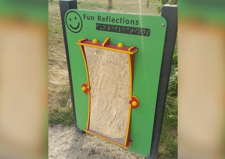 """Los """"reflejos divertidos"""" de un espejo para ciegos"""