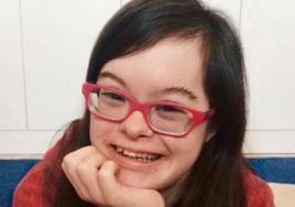 La inspiradora historia de Carmen, una joven gallega con síndrome de Down que triunfa con su propio negocio
