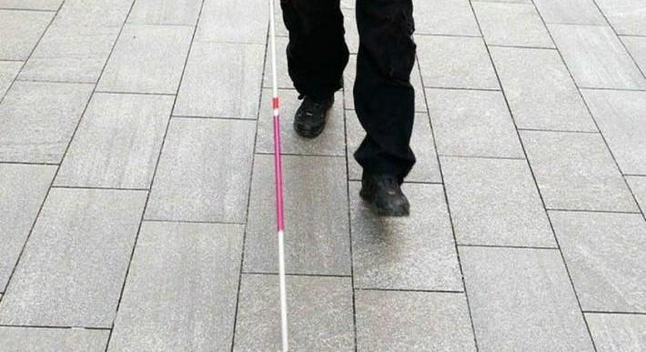 Ropa para ciegos podría sustituir al perro guía