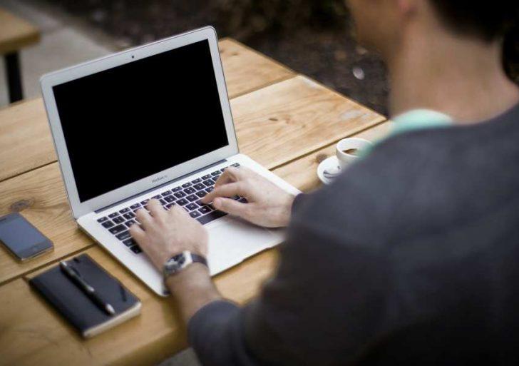 Punto para los godínez: el 'home office' puede causar depresión