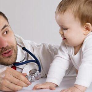 Doctor y bebé