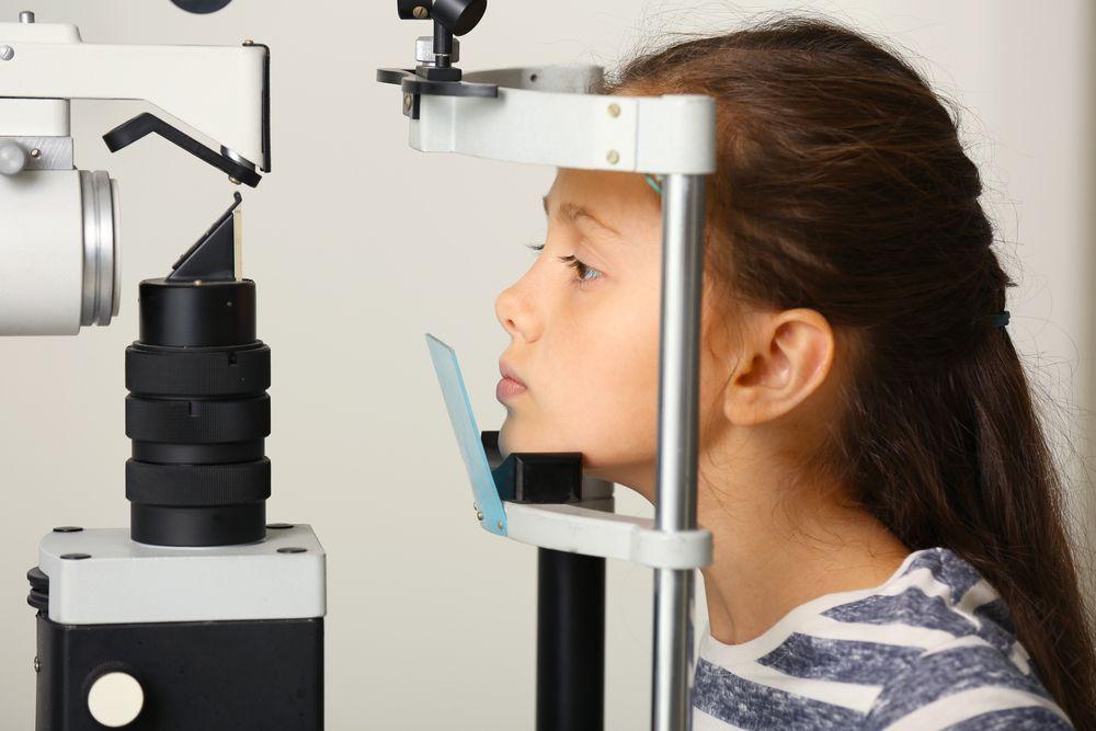 ¿Sabes cuál es el cáncer de ojo más común en niños? Síntomas y causas para atacarlo a tiempo