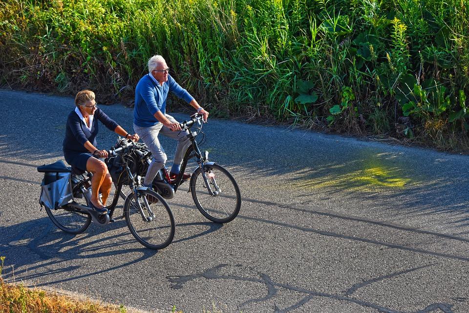 Hacer ejercicio y consumir vitamina D ayuda a disminuir la osteoporosis