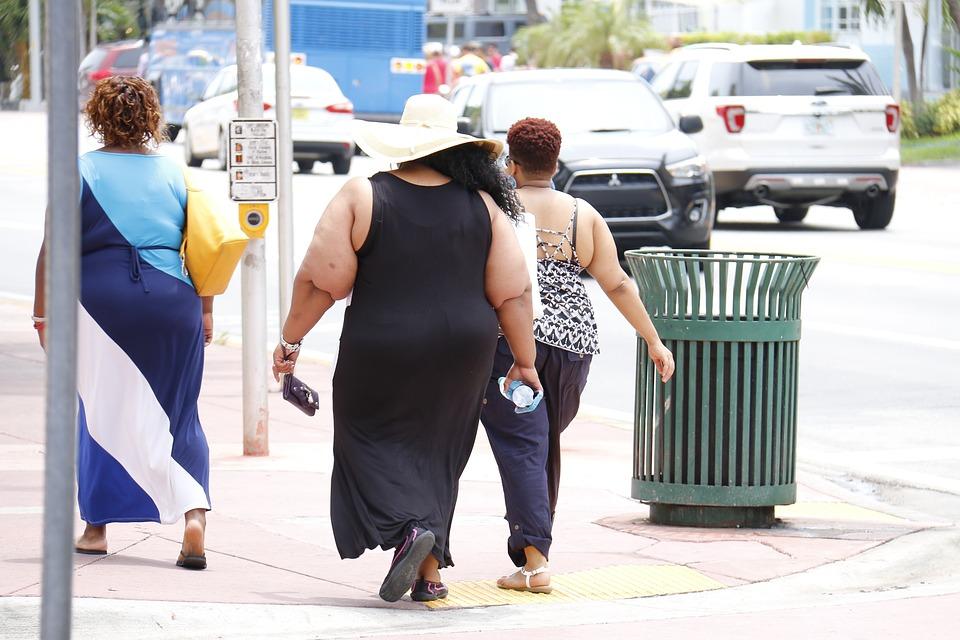 La obesidad relacionada con la enfermedad pulmonar obstructiva crónica, incluso en personas que nunca han fumado