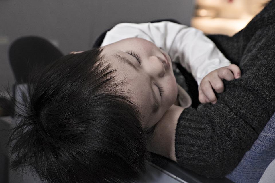 La misteriosa enfermedad que está dejando a los niños con parálisis en EU