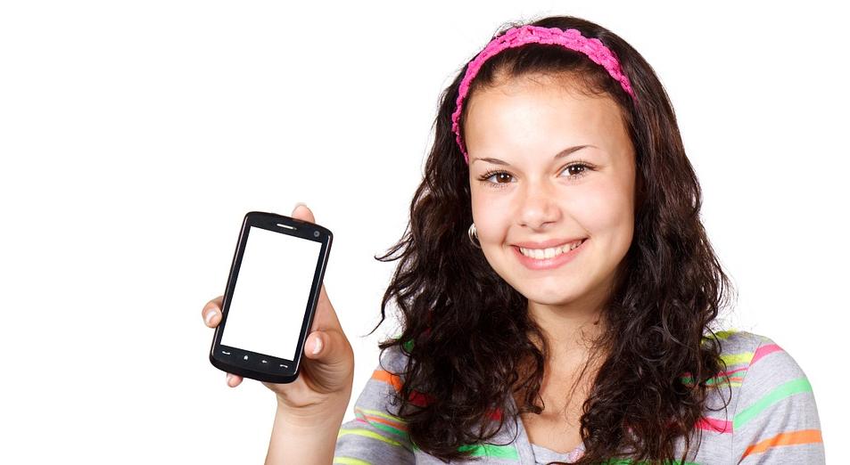 Adolescentes y smartphones: nuevo estudio afirma que habría hábitos más dañinos