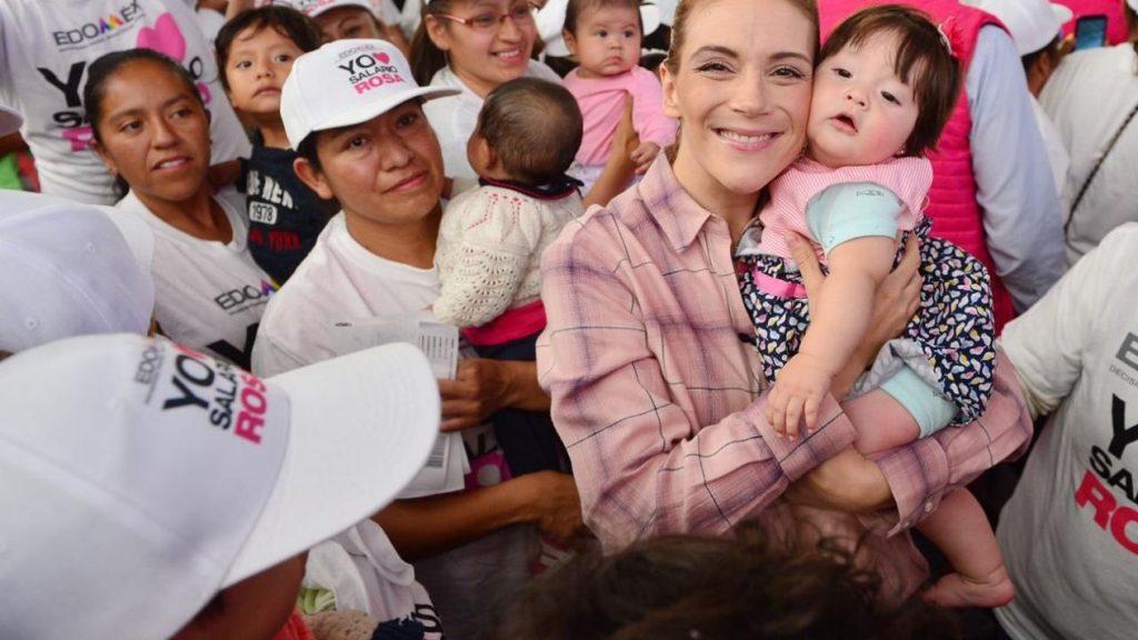 Entregan salario rosa a mujeres con familiares con discapacidad