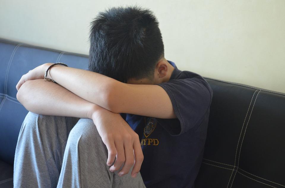 Adolescentes mexicanos en riesgo de depresión por temas sociales