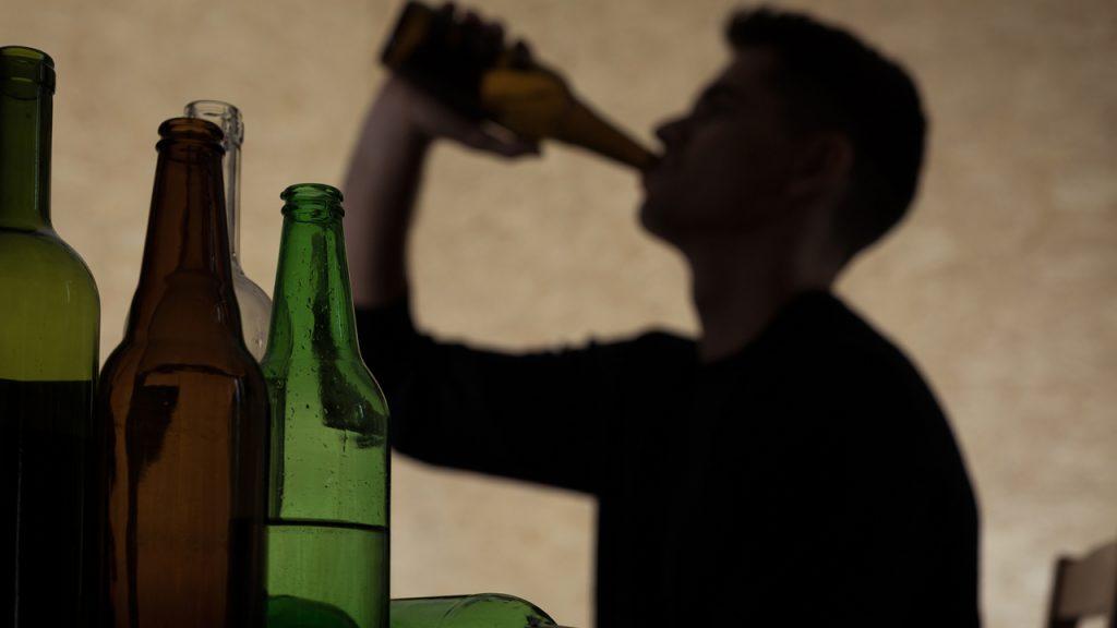 Existe un riesgo genético en el abuso del alcohol