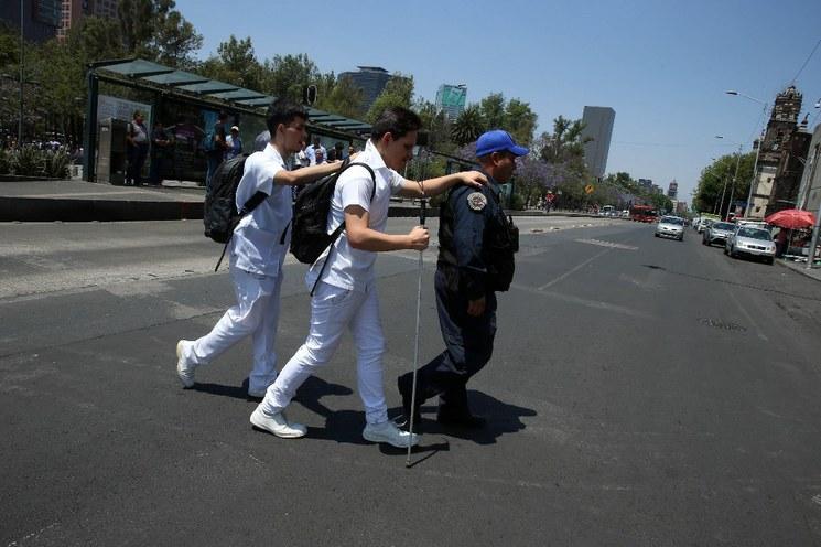 En México hay 2 millones 237 mil personas con deficiencia visual