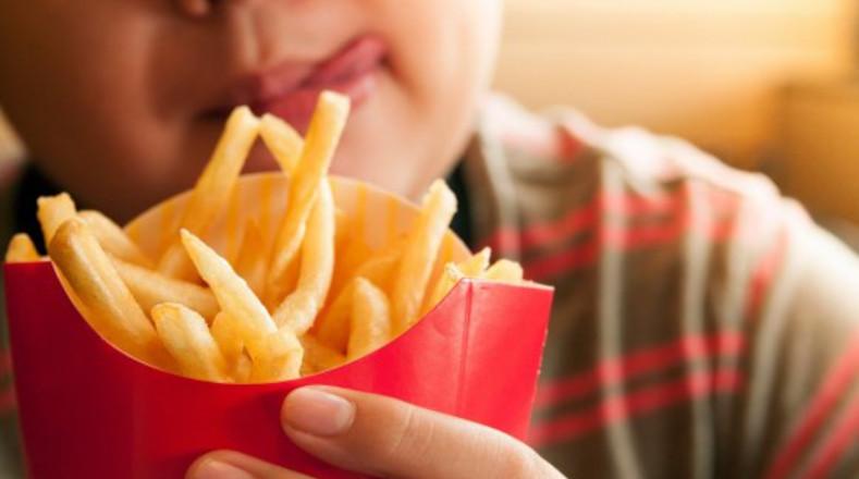 ¿Qué alimentos debemos evitar para prevenir la diabetes en los niños?
