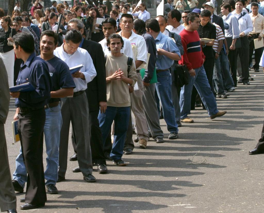¿Cuáles barreras complican a jóvenes en México para encontrar trabajo?