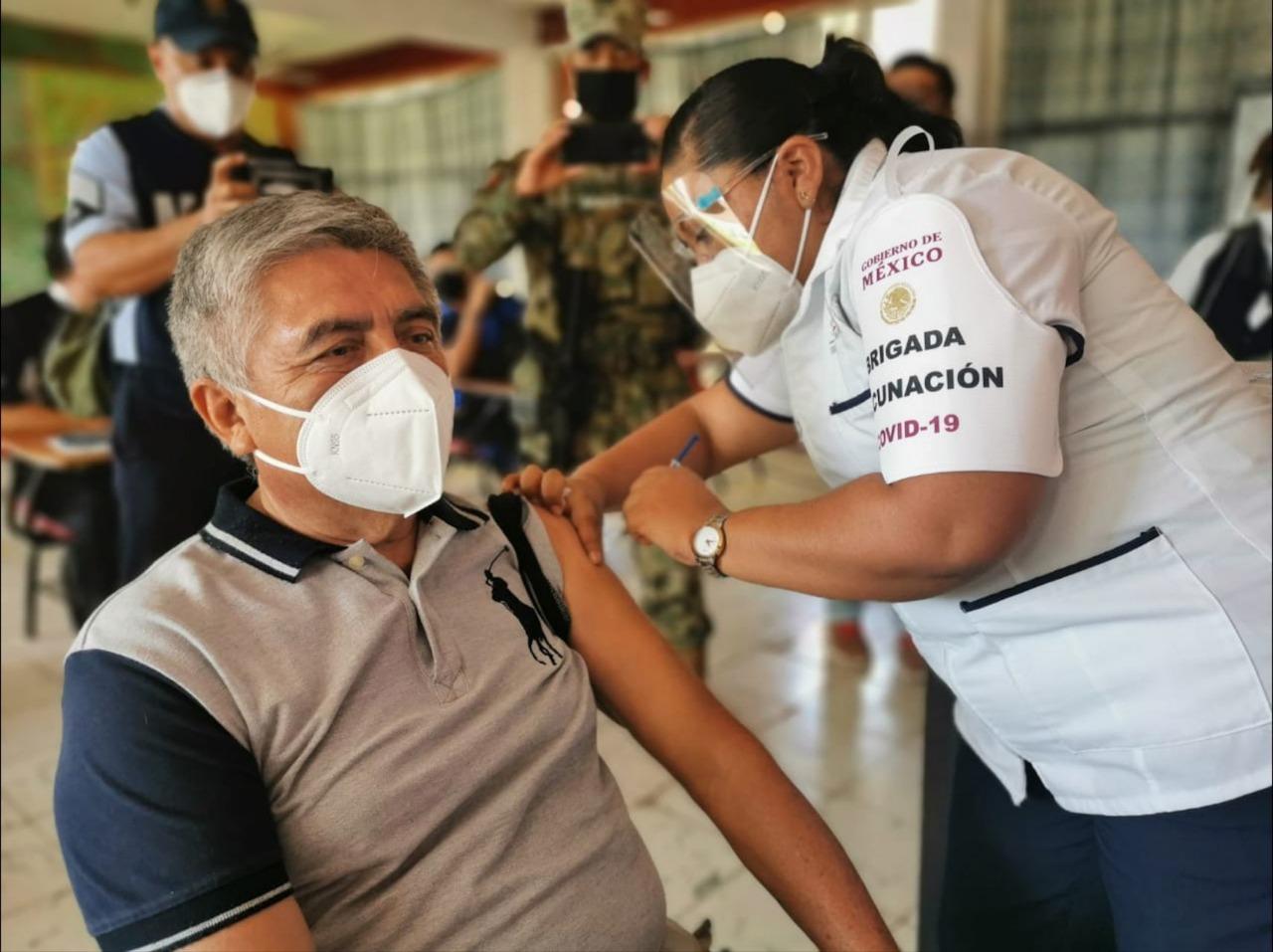 México afina detalles para iniciar registro de vacunación para adultos de 50 a 59 años