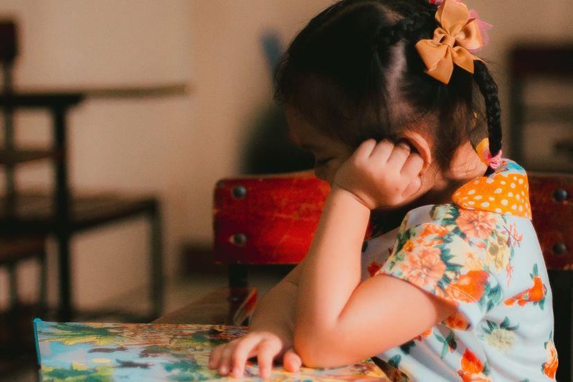 ¿Cómo se debería tratar a los alumnos con autismo y otras necesidades de apoyo educativo?